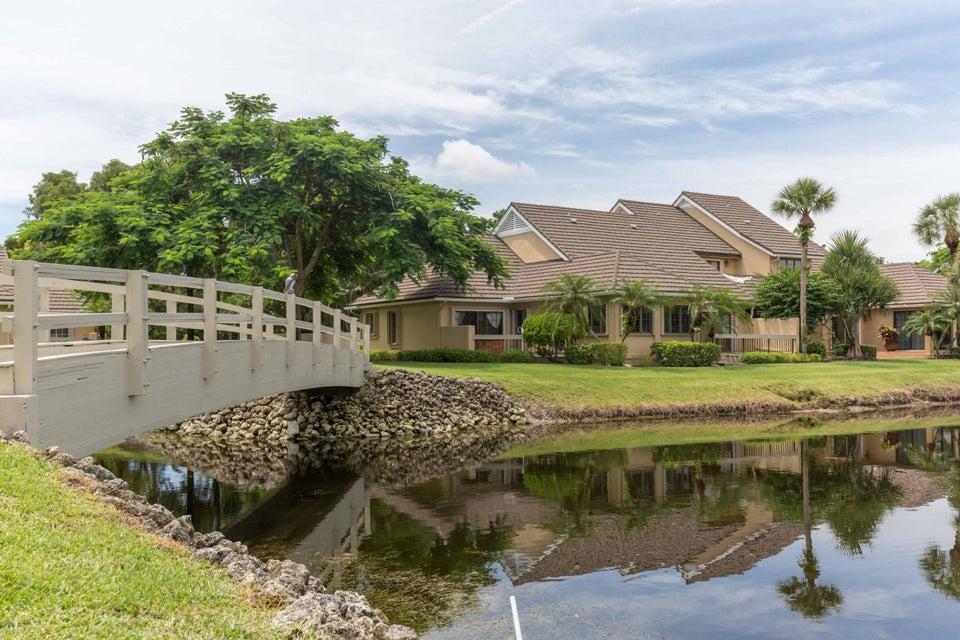 11967 Polo Club Road, Wellington, Florida 33414, 3 Bedrooms Bedrooms, ,3 BathroomsBathrooms,Villa,For Sale,Polo Club,RX-10410306