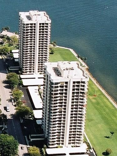 OLD PORT COVE TOWER WEST home on 123  Lakeshore Drive