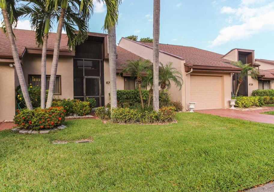 Home for sale in Fountains of Palm Beach Cond 8 DECL Filed 6-28-81 Lake Worth Florida