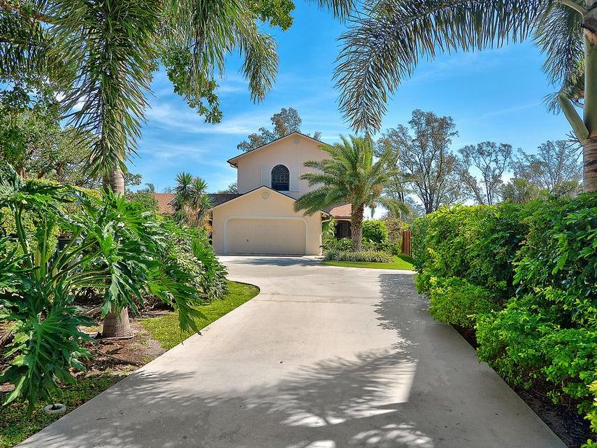 Single Family Home for Sale at 1324 N Lakeside Drive 1324 N Lakeside Drive Lake Worth, Florida 33460 United States