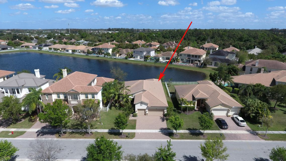 8192 Butler Greenwood Drive Royal Palm Beach, FL 33411 small photo 2