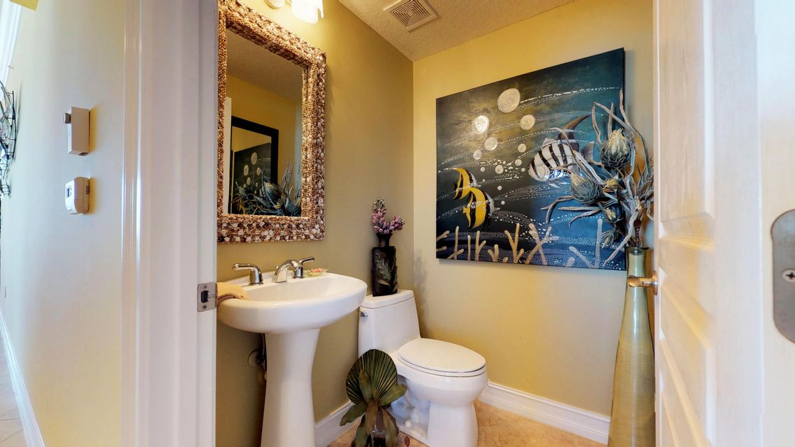Additional photo for property listing at 4180 N A1a  # 501 4180 N A1a  # 501 Hutchinson Island, Florida 34949 United States