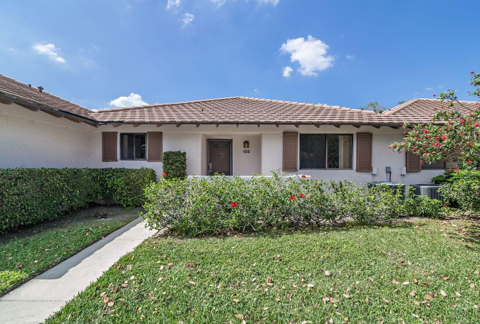 102 Club Drive Palm Beach Gardens,Florida 33418,2 Bedrooms Bedrooms,2 BathroomsBathrooms,A,Club,RX-10411231