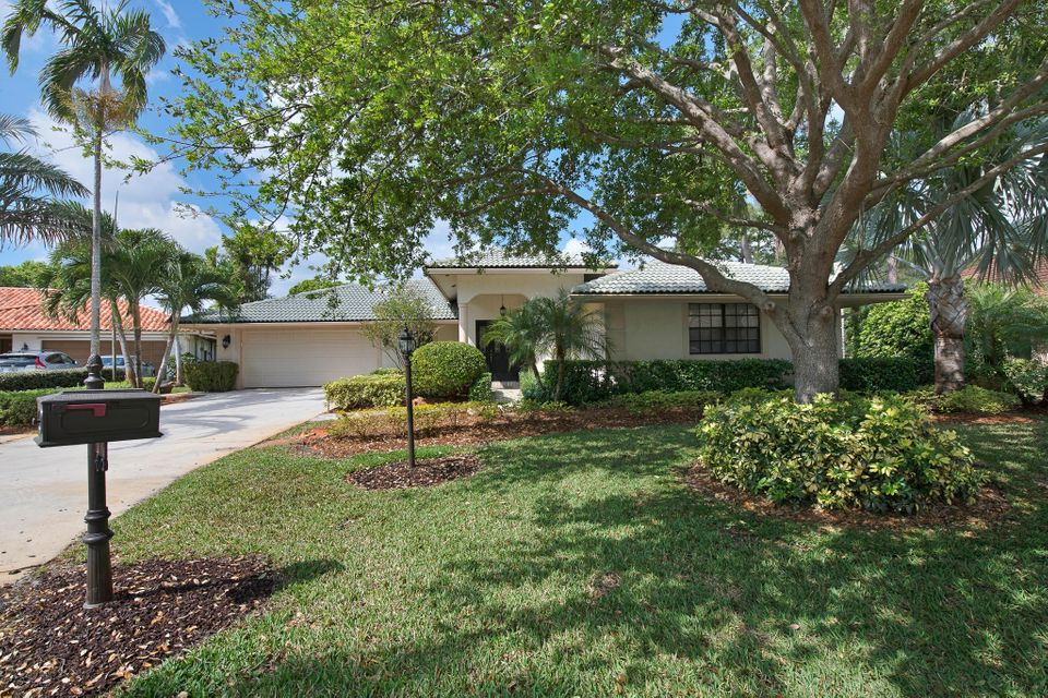 Home for sale in Shady Lakes Palm Beach Gardens Florida
