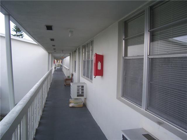 Condominium for Rent at 38 Salisbury B 38 Salisbury B West Palm Beach, Florida 33417 United States
