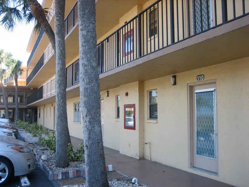 Condominium for Rent at 9370 SW 8 Street # 110 9370 SW 8 Street # 110 Boca Raton, Florida 33428 United States