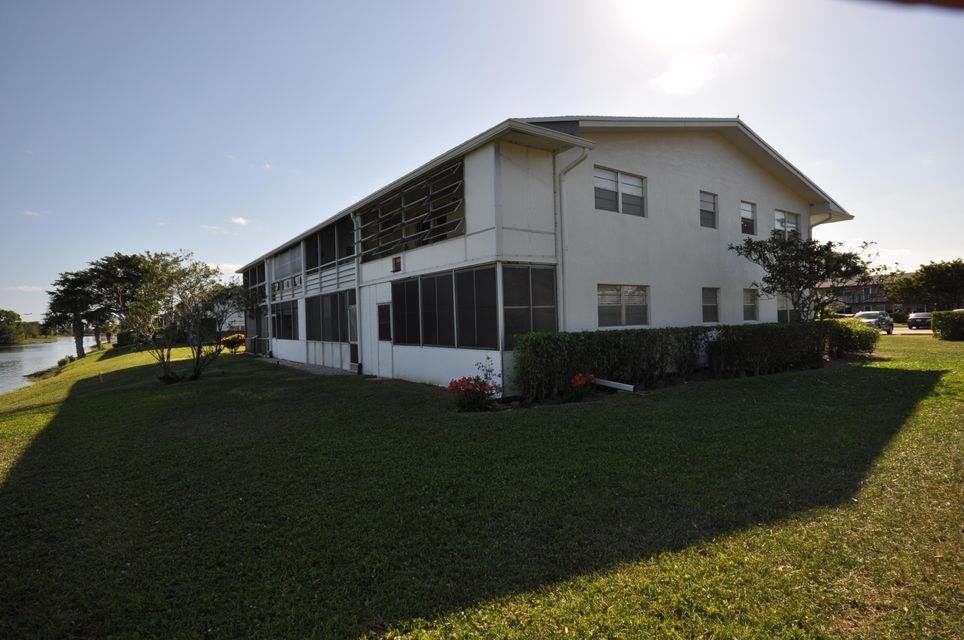 416 Chatham T West Palm Beach, FL 33417 photo 15