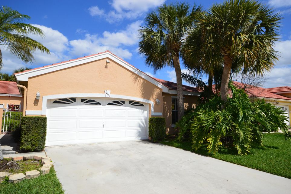 2645 Country Golf Drive Wellington, FL 33414 photo 2