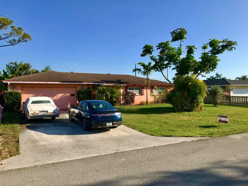 92 W Arch Drive  Lake Worth, FL 33467