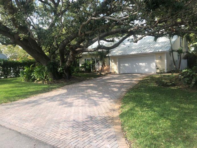 9353 SE Cove Point Street  Boynton Beach FL 33472