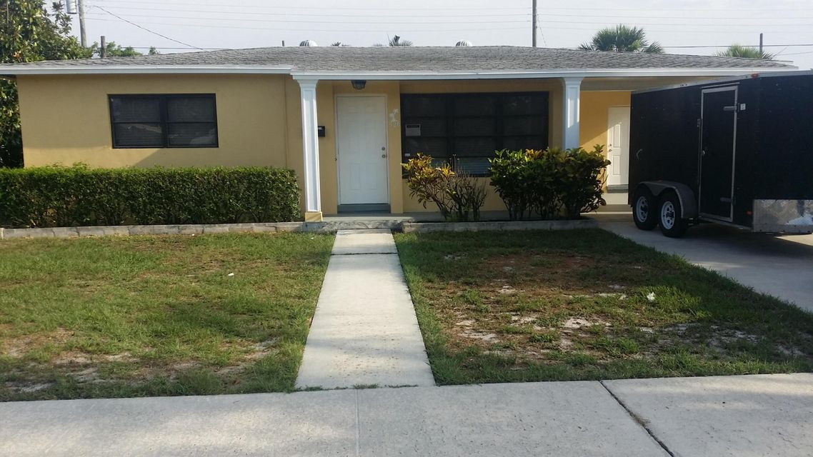 Single Family Home for Rent at 526 Foresteria Drive 526 Foresteria Drive Lake Park, Florida 33403 United States