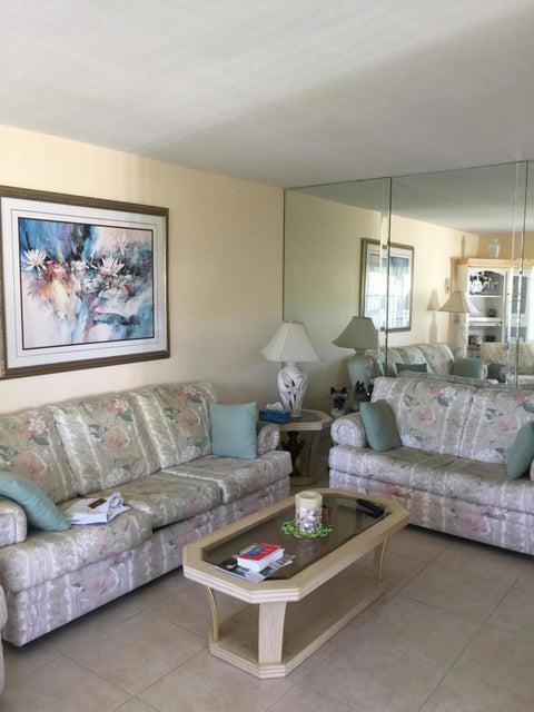 85 Coventry D  West Palm Beach, FL 33417
