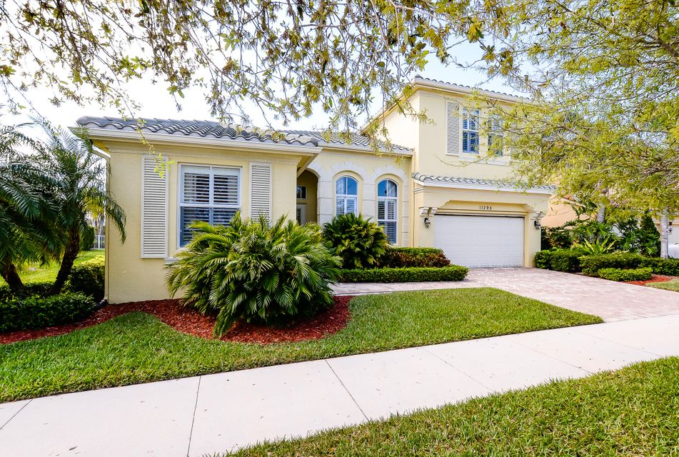 Single Family Home for Sale at 11295 SW Vanderbilt Circle 11295 SW Vanderbilt Circle Port St. Lucie, Florida 34987 United States