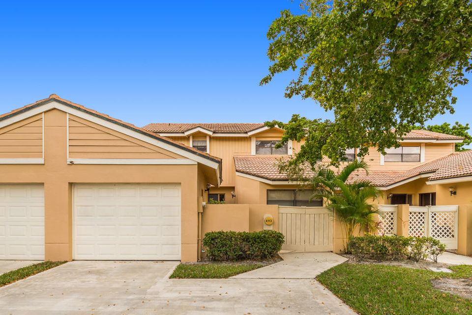 Townhouse for Rent at 493 Prestwick Circle 493 Prestwick Circle Palm Beach Gardens, Florida 33418 United States