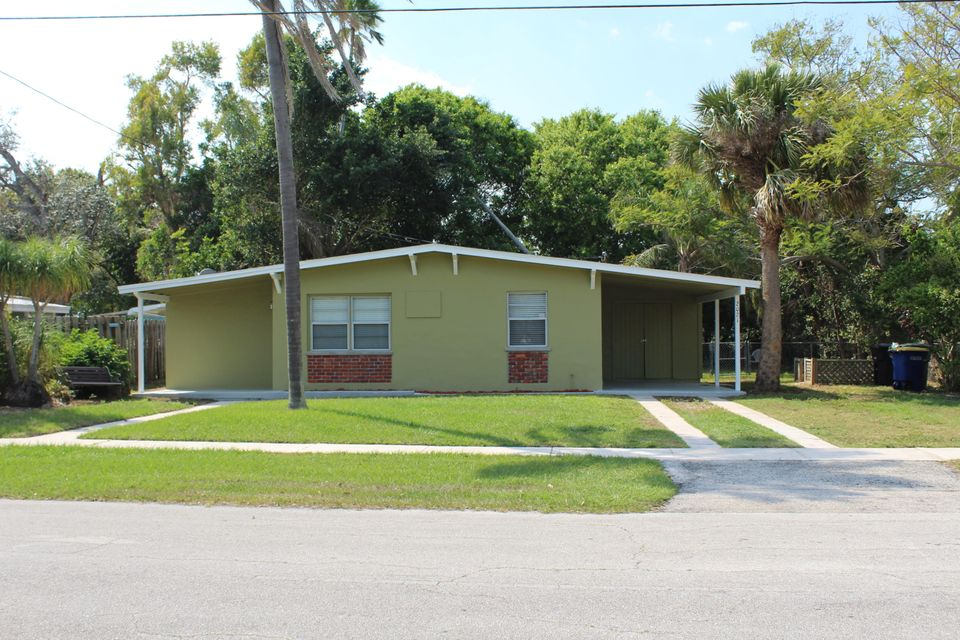Single Family Home for Sale at 2021 Hills Court 2021 Hills Court Fort Pierce, Florida 34950 United States