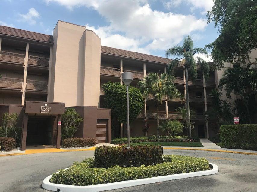 4702 Fountains Drive 303  Lake Worth, FL 33467