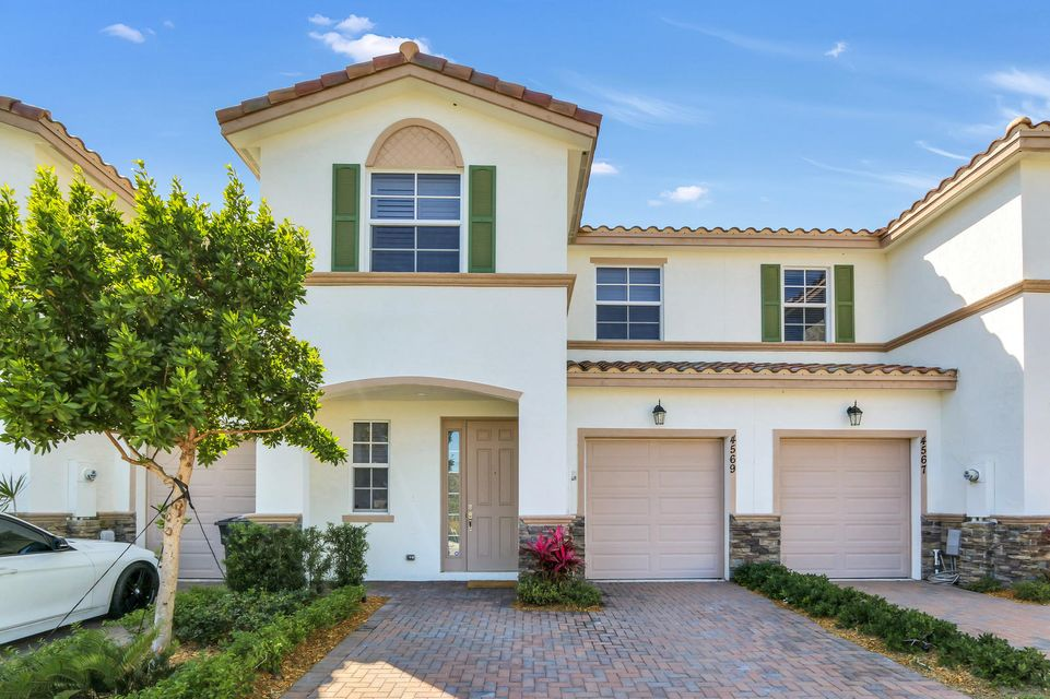 4569 Tara Cove Way  West Palm Beach, FL 33417