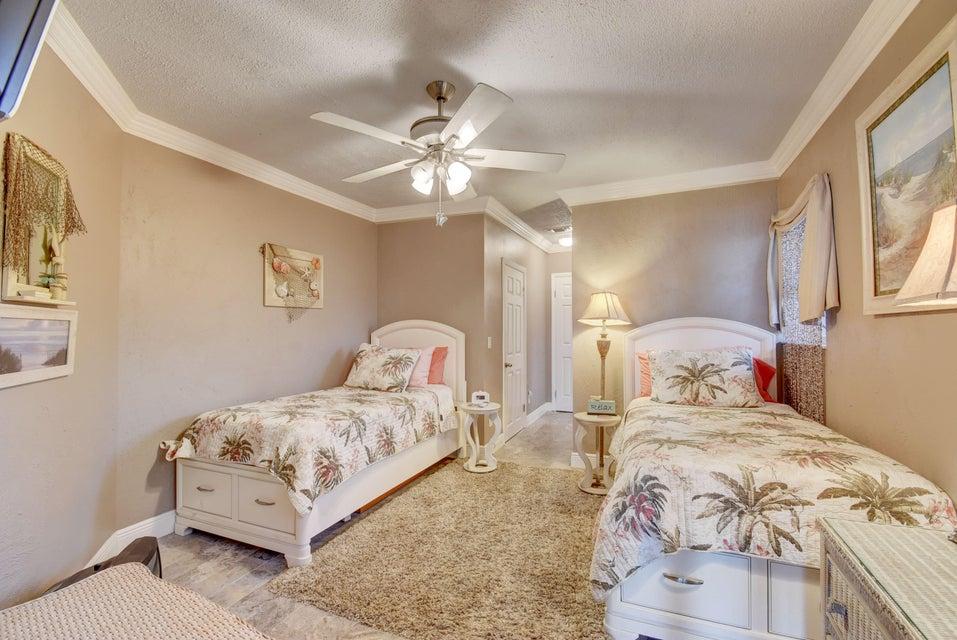 6760 Eastview Drive Lake Worth, FL 33462 photo 34