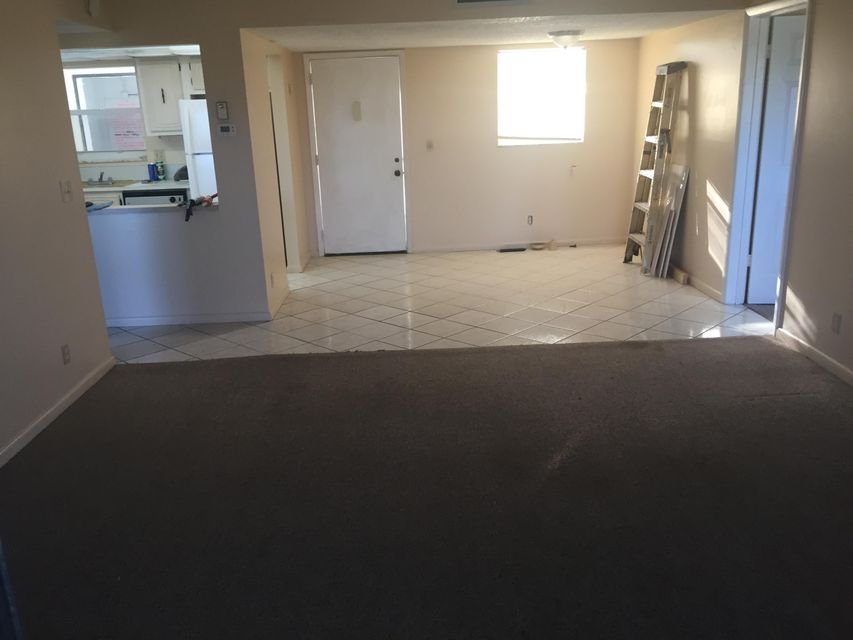 Additional photo for property listing at 711 Lori Drive # 408 711 Lori Drive # 408 Palm Springs, Florida 33461 United States