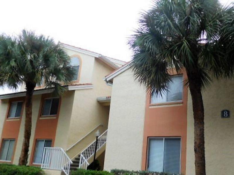 1133 The Pointe Drive  West Palm Beach, FL 33407