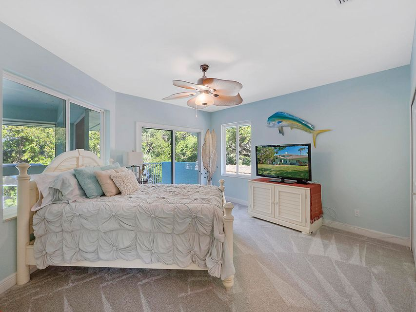 Additional photo for property listing at 114 Hillcrest Terrace 114 Hillcrest Terrace Sewalls Point, Florida 34996 United States