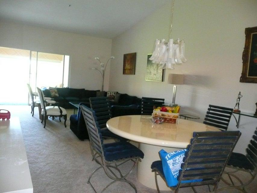 Additional photo for property listing at 5876 Regal Glen Drive # 208 5876 Regal Glen Drive # 208 Boynton Beach, Florida 33437 United States