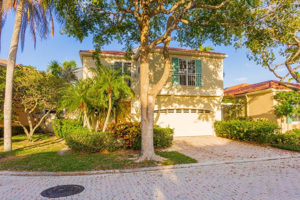 17 Via Aurelia Palm Beach Gardens,Florida 33418,3 Bedrooms Bedrooms,2.1 BathroomsBathrooms,F,Via Aurelia,RX-10411802