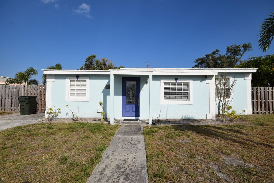 Home for sale in JEFFERSON MANOR Delray Beach Florida