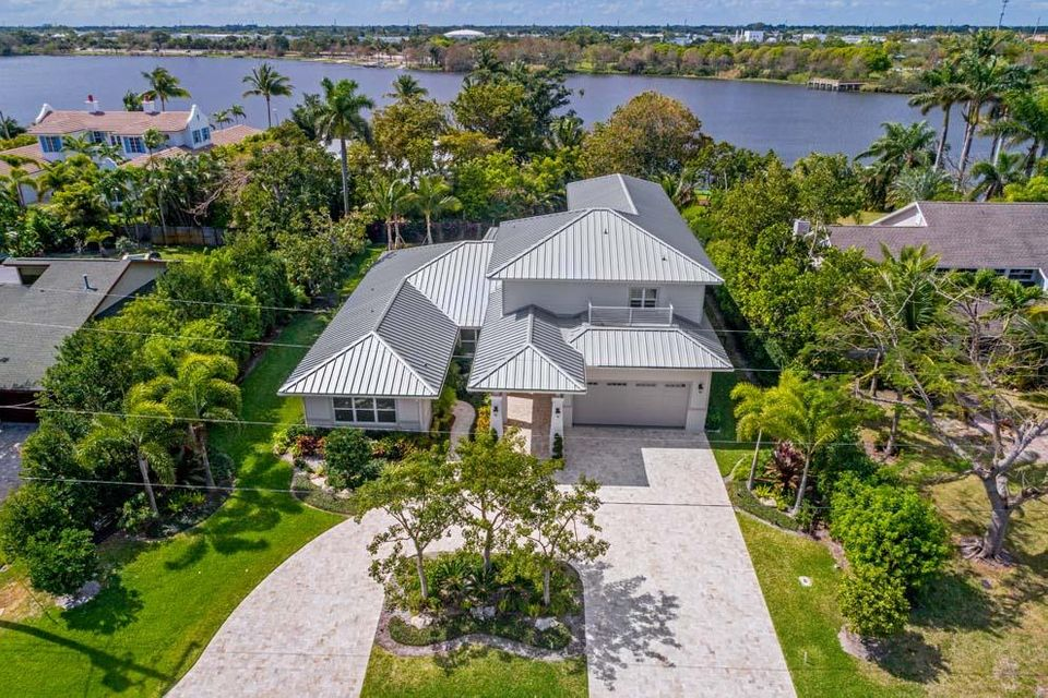 Single Family Home for Sale at 1400 Lake Drive 1400 Lake Drive Delray Beach, Florida 33444 United States