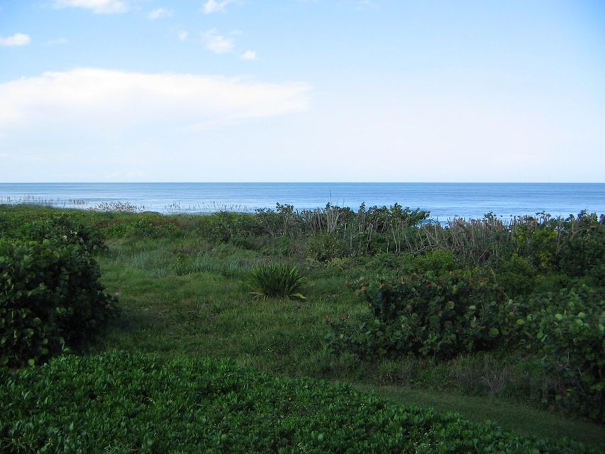 Additional photo for property listing at 4002 N A1A 4002 N A1A Hutchinson Island, Florida 34949 United States
