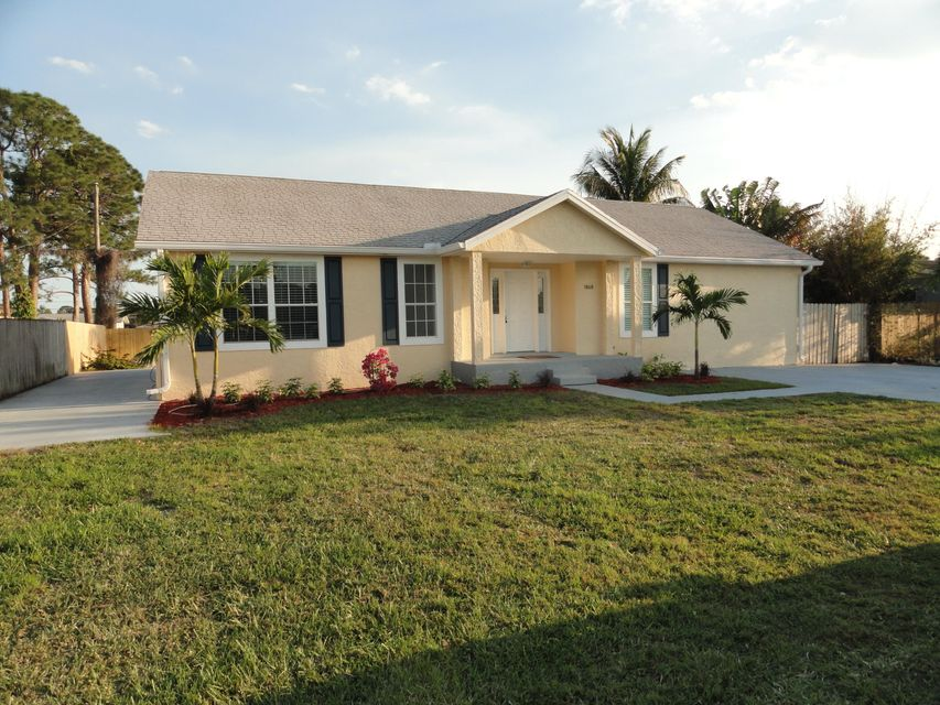 Single Family Home for Sale at 1868 SE Monroe Street 1868 SE Monroe Street Stuart, Florida 34997 United States