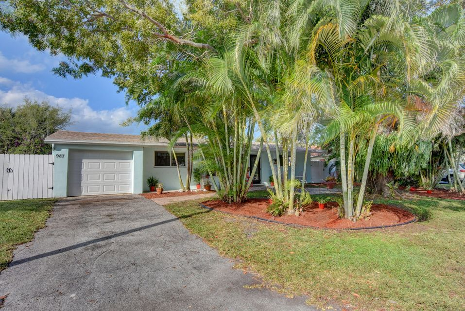 987 SW 7th Street  Boca Raton FL 33486