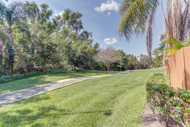 Townhouse for Sale at 5804 SE Windsong Lane 5804 SE Windsong Lane Stuart, Florida 34997 United States