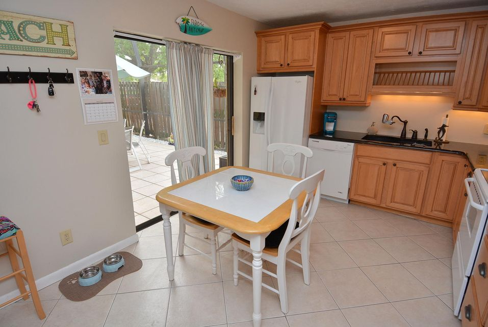 Additional photo for property listing at 6532 SE Windsong Lane # 736 6532 SE Windsong Lane # 736 Stuart, Florida 34997 United States