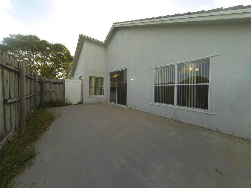 4343 Leicester Court West Palm Beach, FL 33409 photo 7