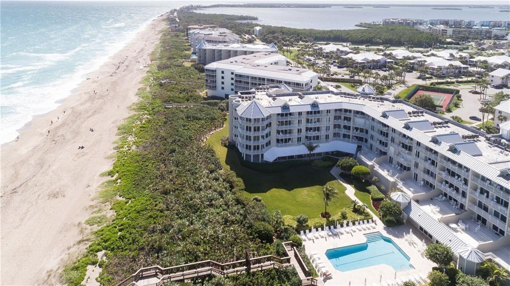 Condominium for Sale at 579 NE Plantation Road # S407 579 NE Plantation Road # S407 Stuart, Florida 34996 United States