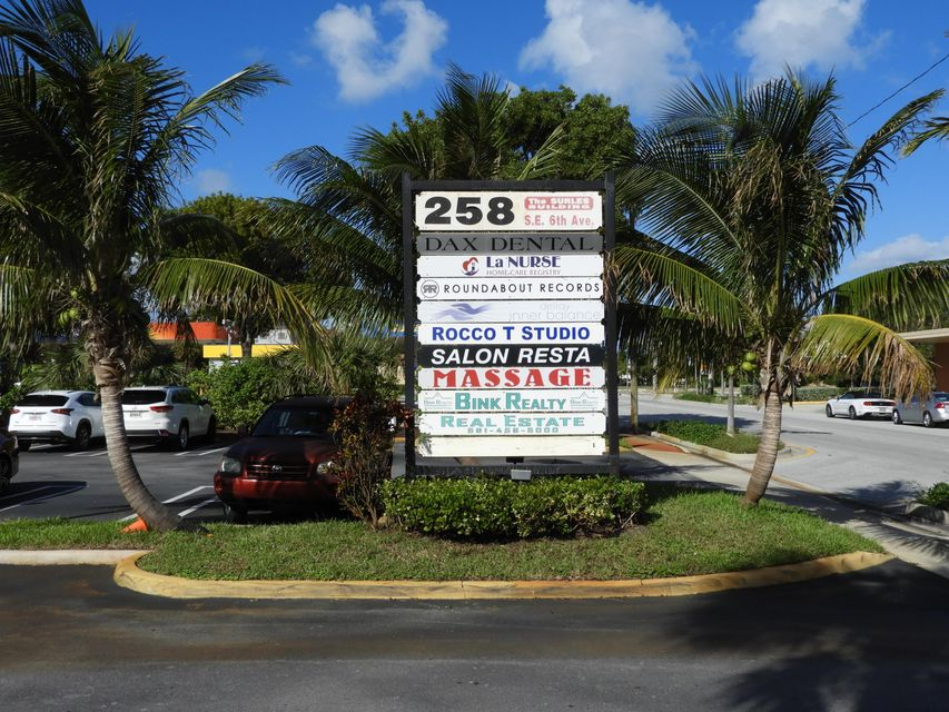 Commercial for Sale at 258 SE 6th Avenue # 15 258 SE 6th Avenue # 15 Delray Beach, Florida 33483 United States