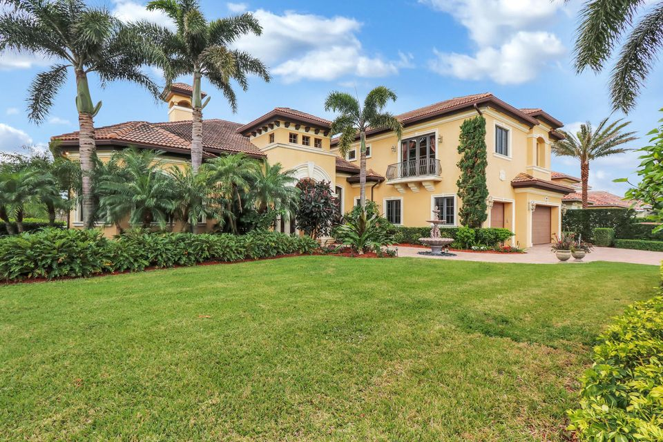 2368 Bay Circle , Palm Beach Gardens FL 33410 is listed for sale as MLS Listing RX-10413591 42 photos