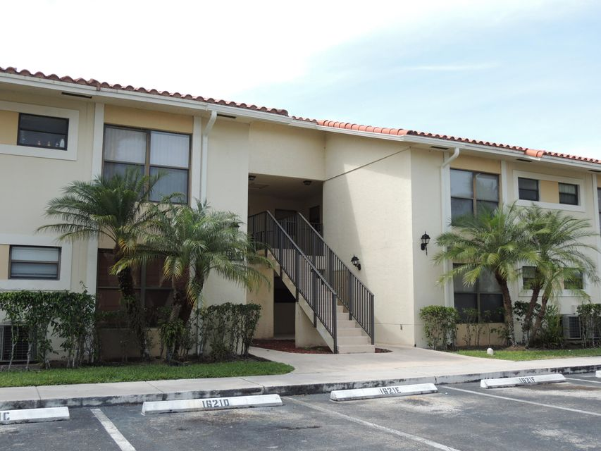 1621 Balfour Point Drive D , West Palm Beach FL 33411 is listed for sale as MLS Listing RX-10412336 15 photos