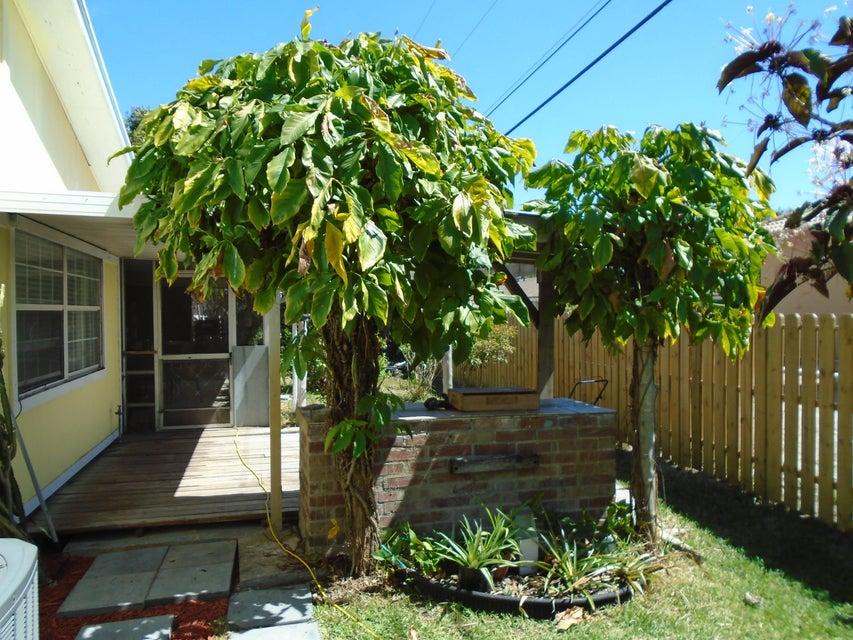 Additional photo for property listing at 9220 Lantern Drive 9220 Lantern Drive Lake Worth, Florida 33467 United States