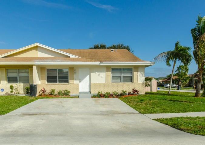 Duplex / Multiplex for Rent at 3864 Vancott Circle 3864 Vancott Circle Lake Park, Florida 33403 United States