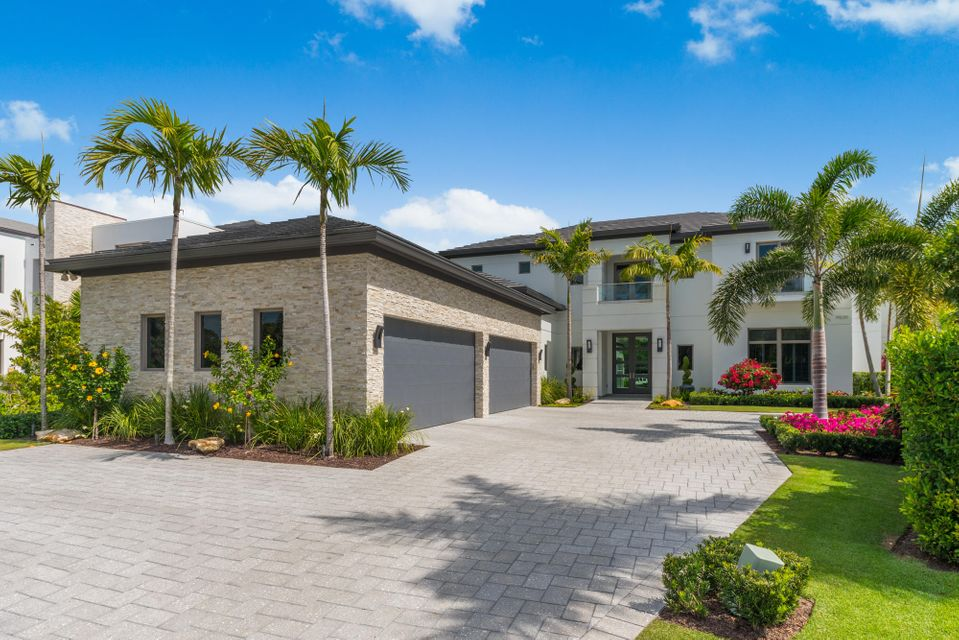 14630  Watermark Way , Palm Beach Gardens FL 33410 is listed for sale as MLS Listing RX-10412551 photo #2
