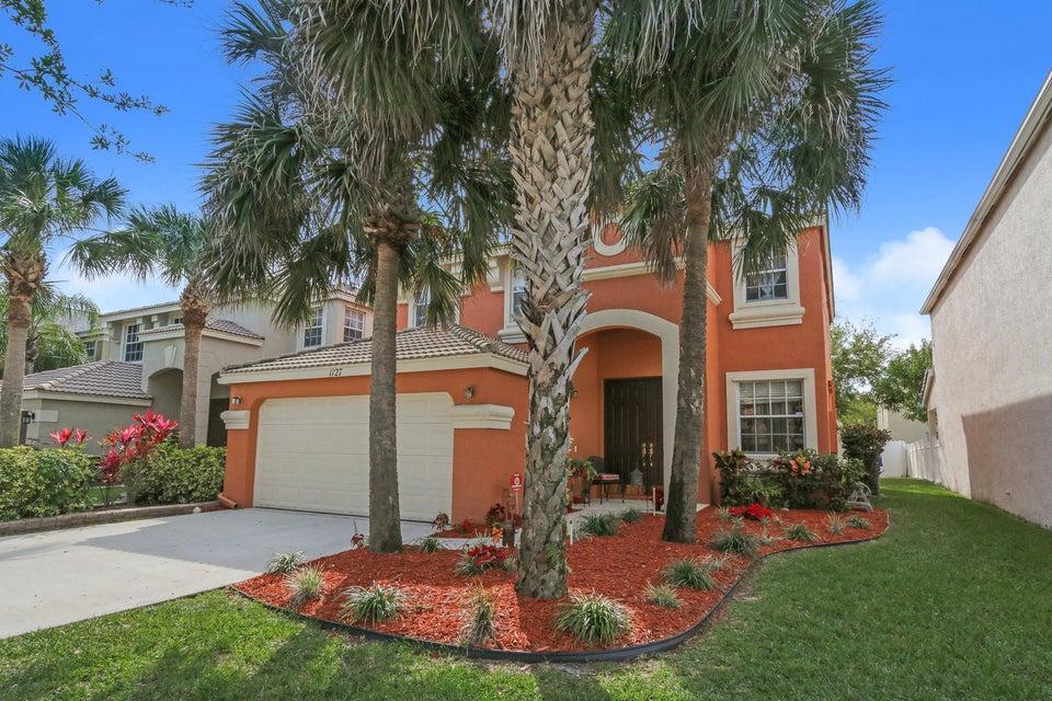 1127 Oakwater Drive  Royal Palm Beach, FL 33411