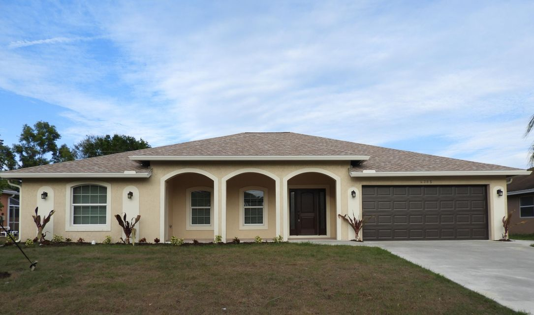 Single Family Home for Sale at 4385 SW Calah Circle 4385 SW Calah Circle Port St. Lucie, Florida 34953 United States
