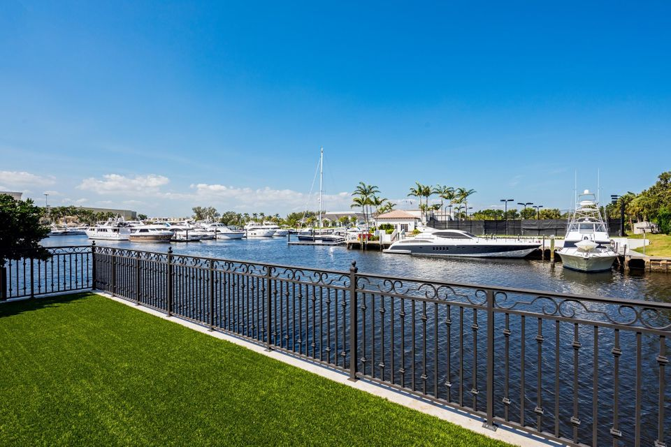 191 W Key Palm Road , Boca Raton FL 33432 is listed for sale as MLS Listing RX-10412612 photo #49