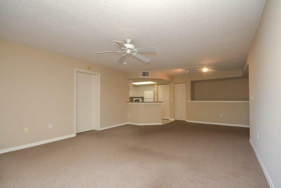 1000 Crestwood Court 1015 Royal Palm Beach, FL 33411 photo 7
