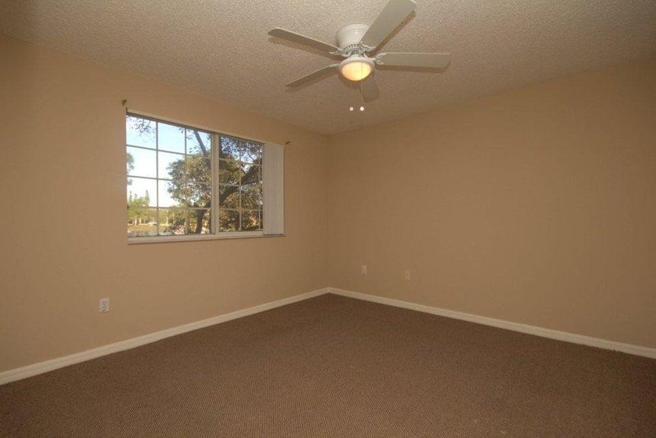 1000 Crestwood Court 1015 Royal Palm Beach, FL 33411 photo 10