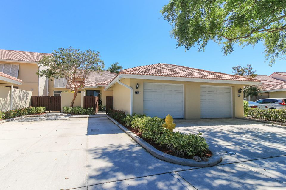 245 Old Meadow Way , Palm Beach Gardens FL 33418 is listed for sale as MLS Listing RX-10412594 14 photos