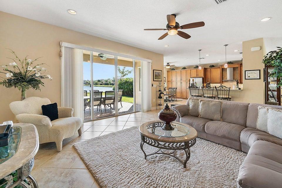 8400 Serena Creek Avenue Boynton Beach, FL 33473 - photo 7