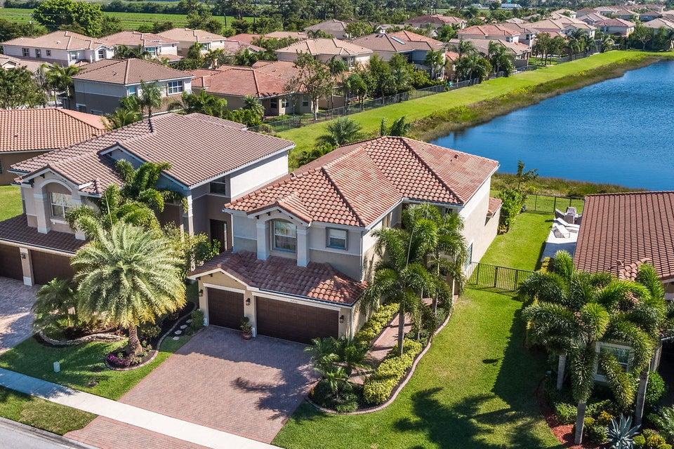 8400 Serena Creek Avenue Boynton Beach, FL 33473 - photo 33
